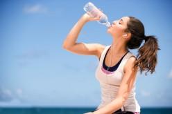 Por que precisamos beber dois litros de água por dia?