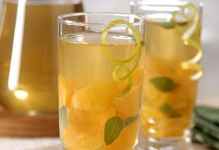 Chá gelado de laranja