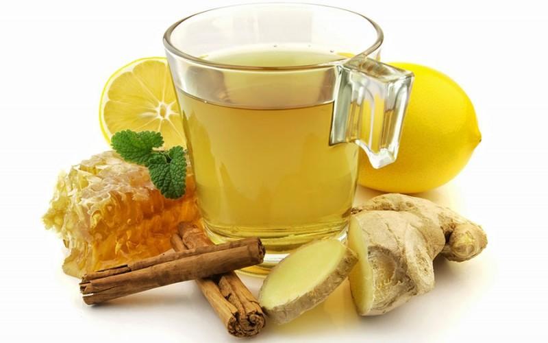 Chá de limão, gengibre e mel: muito além da gripe e resfriados