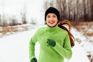woman-running-in-the-snow