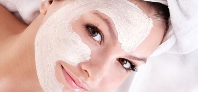 Máscaras caseiras para a pele à base de iogurte