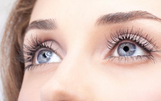 Cuide bem dos seus olhos fazendo exercícios oculares