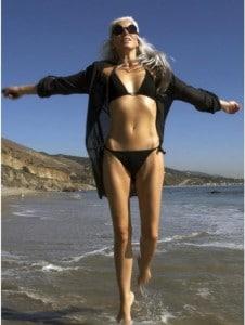 Yasmina-Rossi_beach